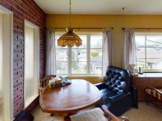 """Photo 11: 2481 E 22ND Avenue in Vancouver: Renfrew Heights House for sale in """"Renfrew Heights"""" (Vancouver East)  : MLS®# R2543982"""