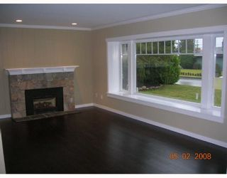 """Photo 4: 1240 PINEWOOD in North_Vancouver: Norgate House for sale in """"NORGATE"""" (North Vancouver)  : MLS®# V685848"""