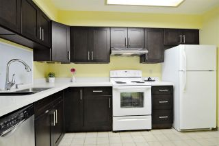 """Photo 2: 505 6070 MCMURRAY Avenue in Burnaby: Forest Glen BS Condo for sale in """"LA MIRAGE"""" (Burnaby South)  : MLS®# R2102484"""