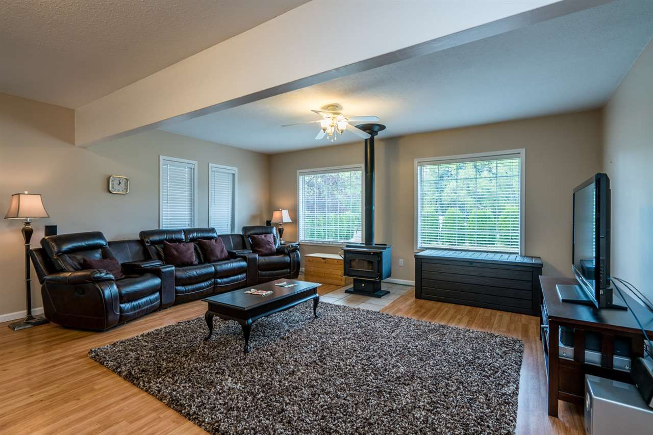 """Photo 11: Photos: 1726 SOMMERVILLE Road in Prince George: North Blackburn House for sale in """"SOMMERVILLE"""" (PG City South East (Zone 75))  : MLS®# R2102795"""