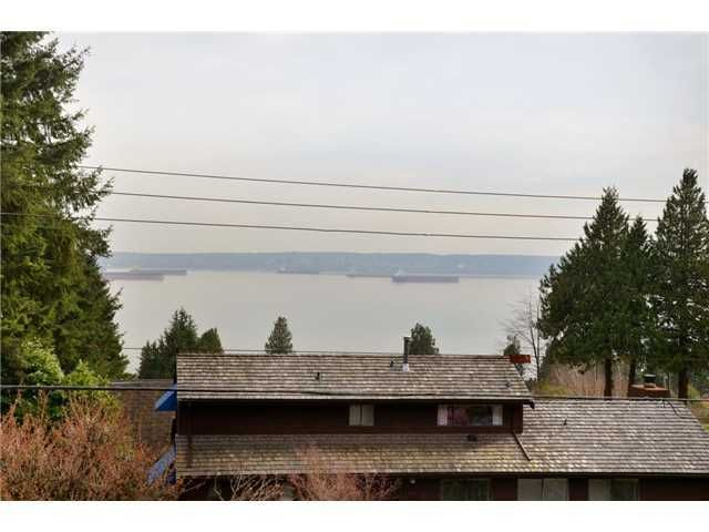 Photo 8: Photos: Mathers Avenue in West Vancouver: Dundarave House for rent