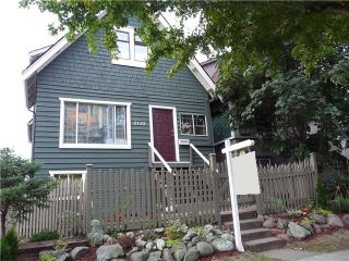 Photo 1: 2125 E PENDER Street in Vancouver: Hastings House for sale (Vancouver East)  : MLS®# V1041362