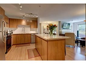 Photo 4: #118-700 Klahanie Dr. in Port Moody: Port Moody Centre Condo for sale : MLS®# V1125177