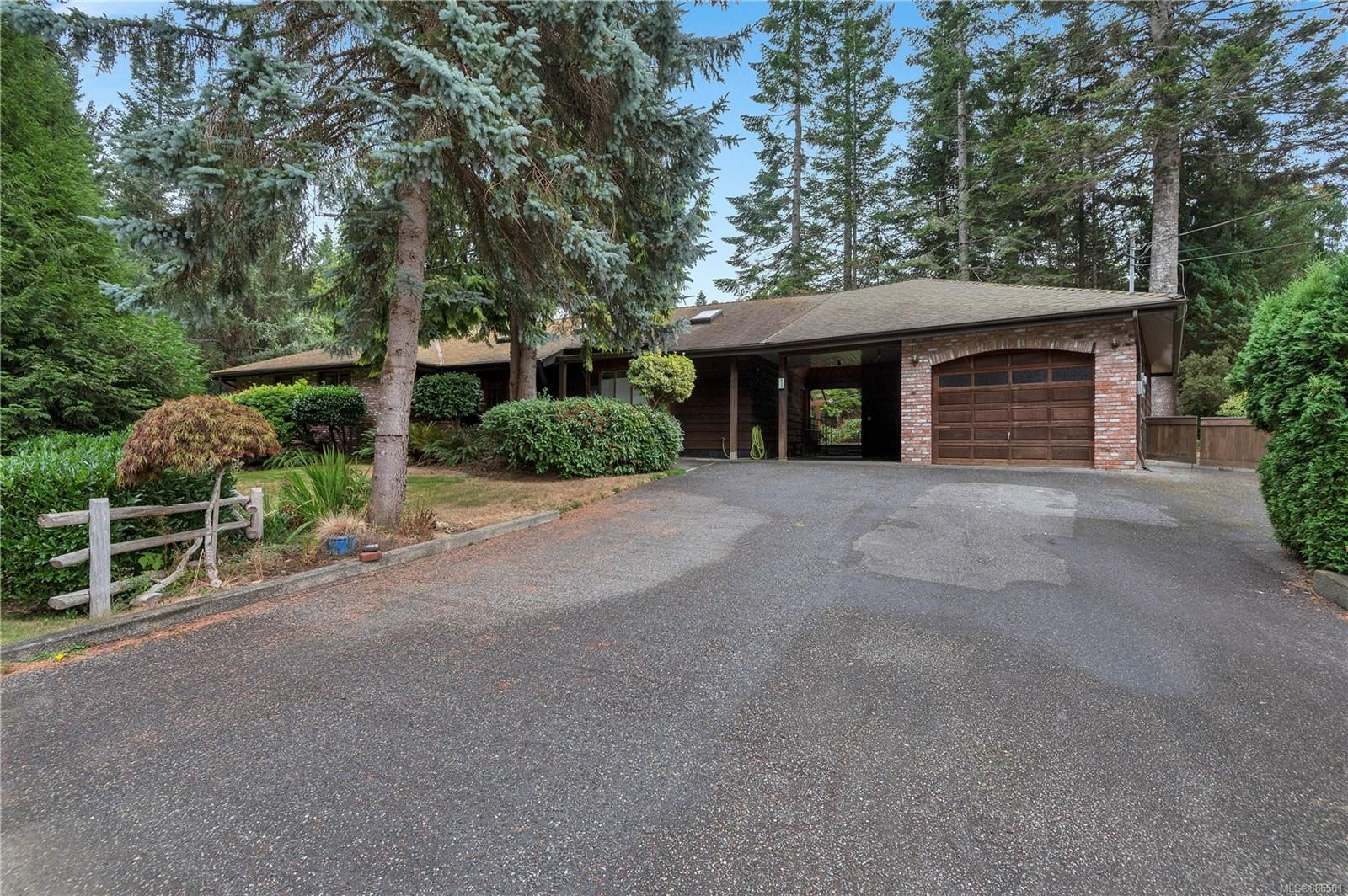 Main Photo: 73 Redonda Way in : CR Campbell River South House for sale (Campbell River)  : MLS®# 885561
