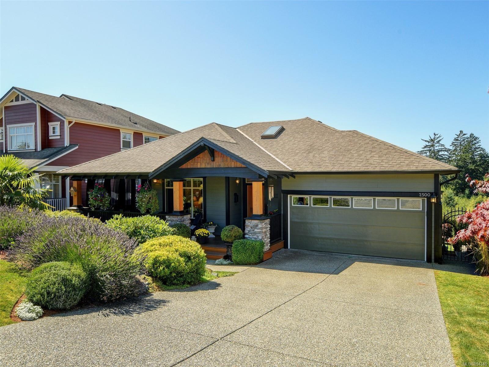 Main Photo: 2500 Westview Terr in : Sk Sunriver House for sale (Sooke)  : MLS®# 854140