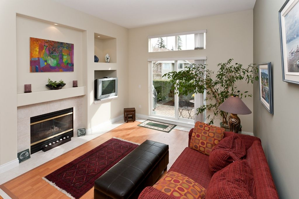 """Photo 8: Photos: 6 3405 PLATEAU Boulevard in Coquitlam: Westwood Plateau Townhouse for sale in """"PINNACLE RIDGE"""" : MLS®# V883094"""