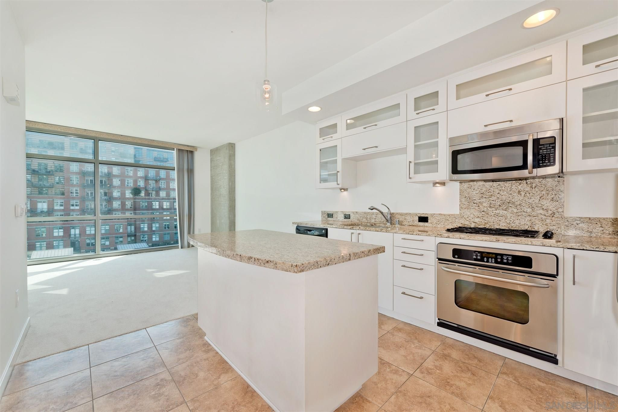 Main Photo: DOWNTOWN Condo for sale : 1 bedrooms : 800 The Mark Ln #608 in San Diego
