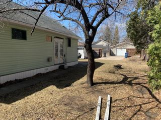 Photo 3: 67 Pilgrim Avenue in Winnipeg: Single Family Detached for sale (2D)  : MLS®# 202107788