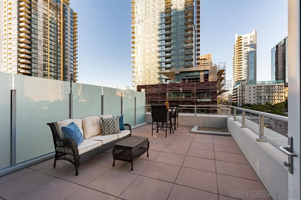 Main Photo: DOWNTOWN Condo for rent : 1 bedrooms : 1262 Kettner Blvd #504 in San Diego