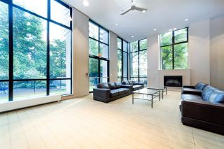 """Photo 16: 2802 909 MAINLAND Street in Vancouver: Yaletown Condo for sale in """"Yaletown Park II"""" (Vancouver West)  : MLS®# R2505728"""