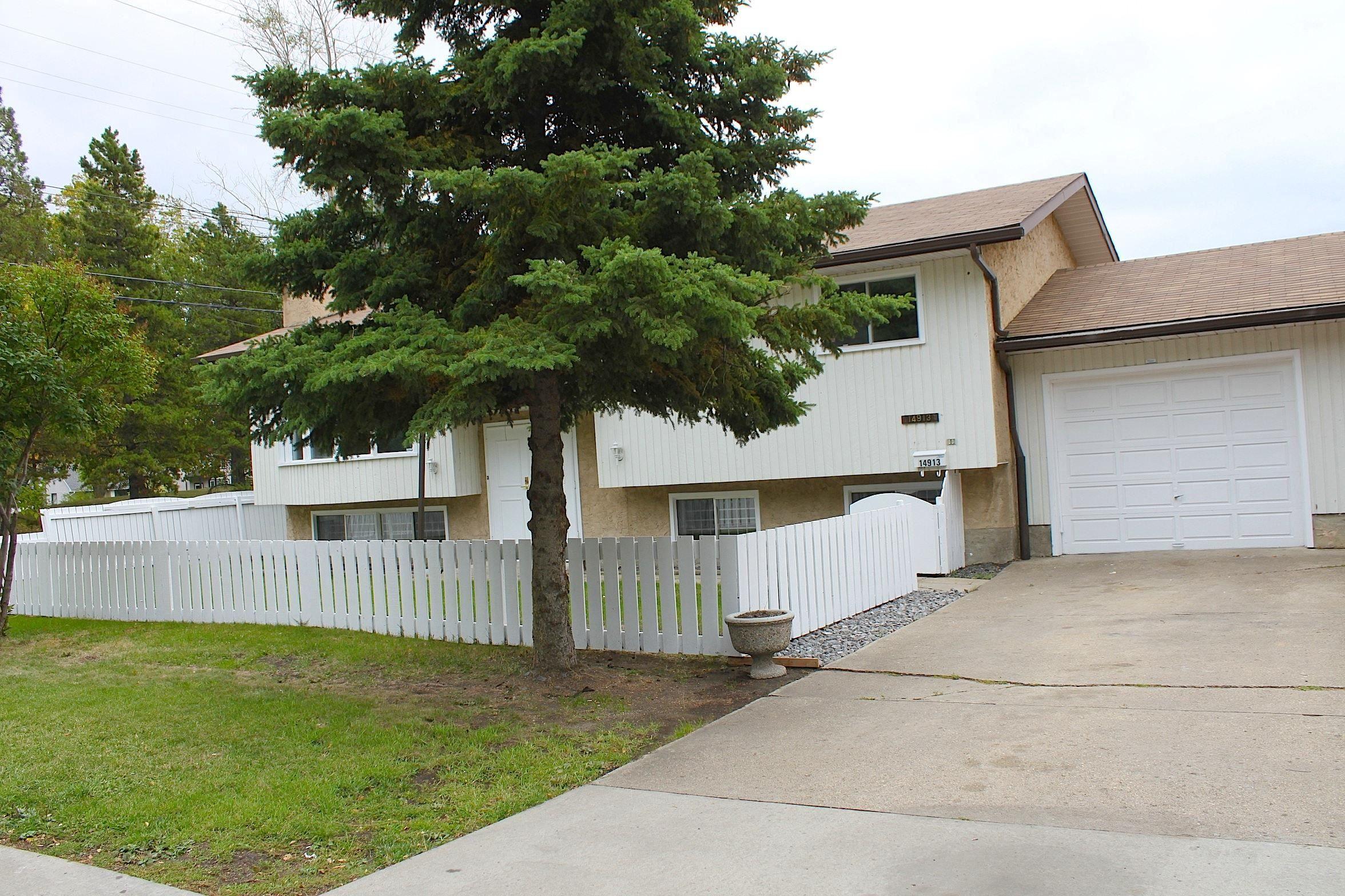 Main Photo: 14913 104 Avenue in Edmonton: Zone 21 House Half Duplex for sale : MLS®# E4262661
