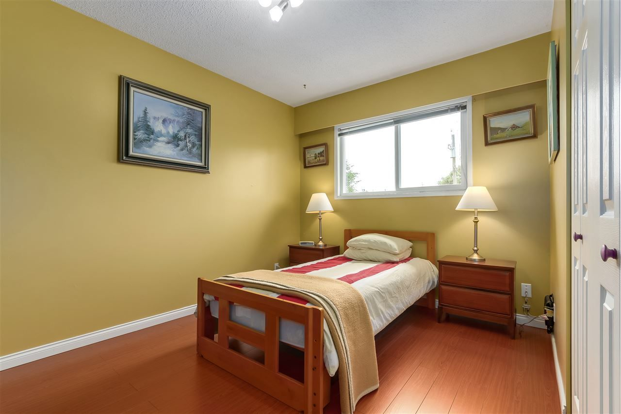 Photo 11: Photos: 7656 JUNIPER Street in Mission: Mission BC House for sale : MLS®# R2295491