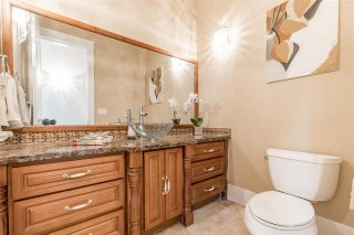 """Photo 8: 7500 LINDSAY Road in Richmond: Granville House for sale in """"GRANVILLE"""" : MLS®# R2116740"""