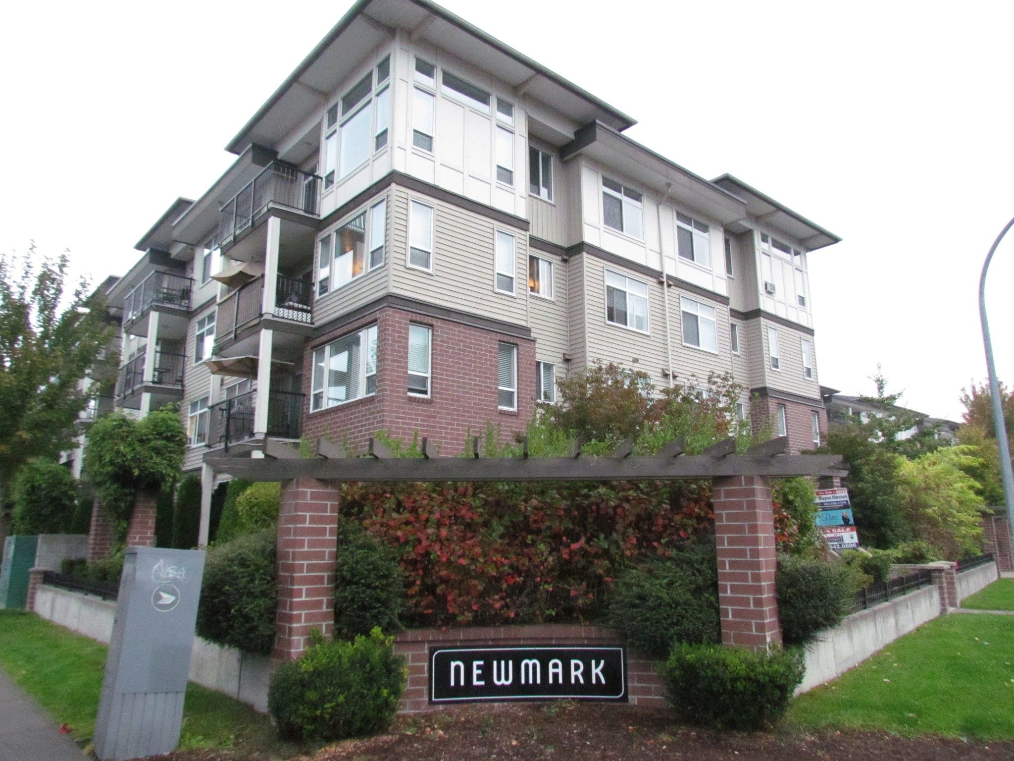 Main Photo: #312 46289 Yale Rd. in Chilliwack: Condo for rent