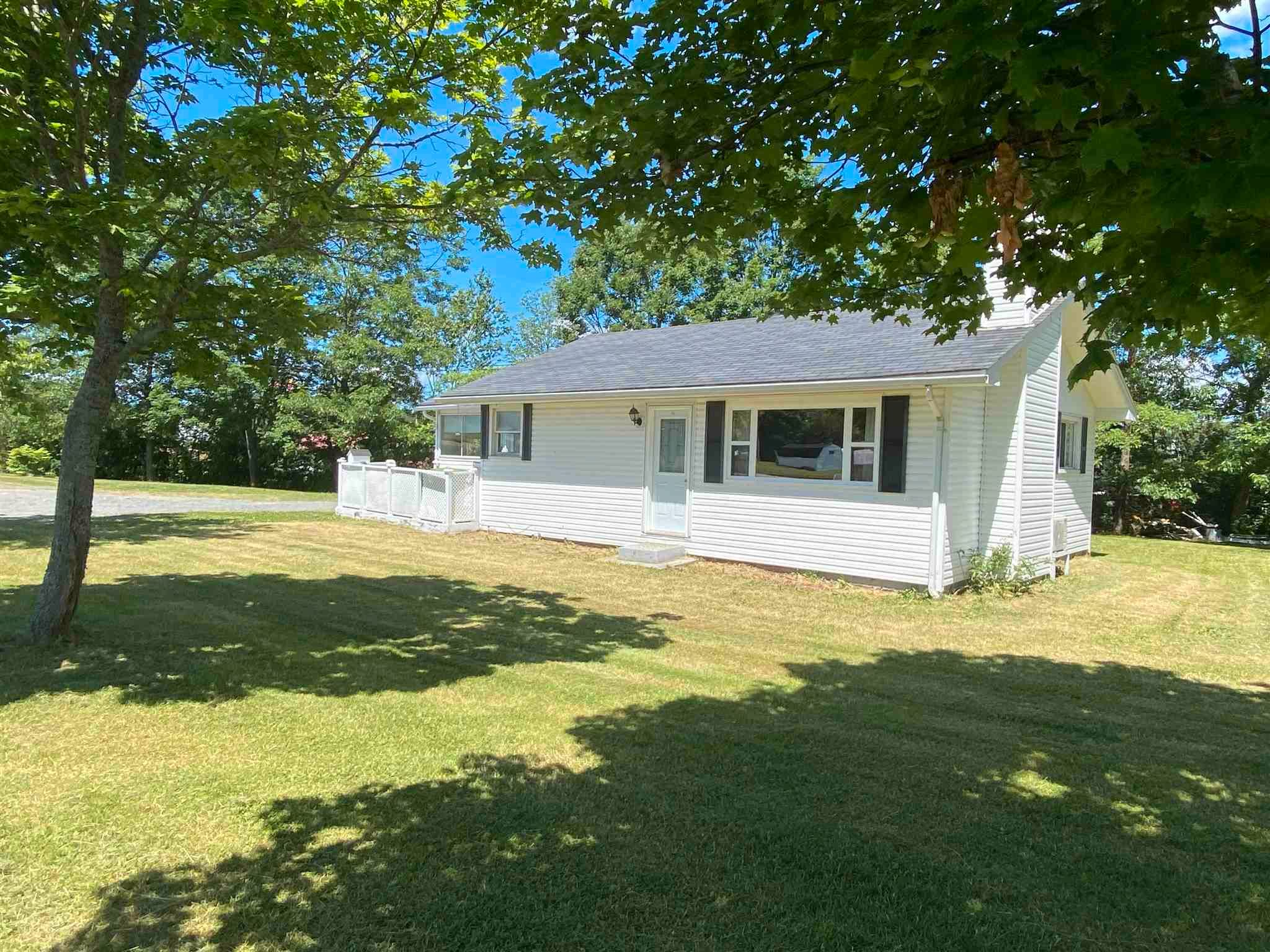 Main Photo: 157 Church Street in Antigonish: 301-Antigonish Residential for sale (Highland Region)  : MLS®# 202117662