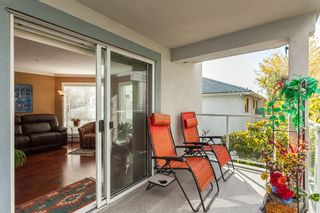 """Photo 11: 307 15941 MARINE Drive: White Rock Condo for sale in """"THE HERITAGE"""" (South Surrey White Rock)  : MLS®# R2408083"""