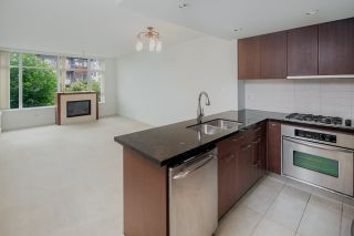 """Photo 6: 307 5989 IONA Drive in Vancouver: University VW Condo for sale in """"Chancellor Hall"""" (Vancouver West)  : MLS®# R2194182"""