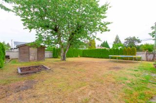"""Photo 3: 1431 SMITH Avenue in Coquitlam: Central Coquitlam House for sale in """"CENTRAL COQUITLAM"""" : MLS®# R2319840"""