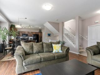 """Photo 3: 46 3363 ROSEMARY HEIGHTS Crescent in Surrey: Morgan Creek Townhouse for sale in """"ROCKWELL"""" (South Surrey White Rock)  : MLS®# R2289421"""
