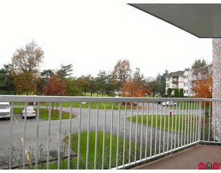 """Photo 9: 116 5710 201ST Street in Langley: Langley City Condo for sale in """"White Oaks"""" : MLS®# F2728346"""