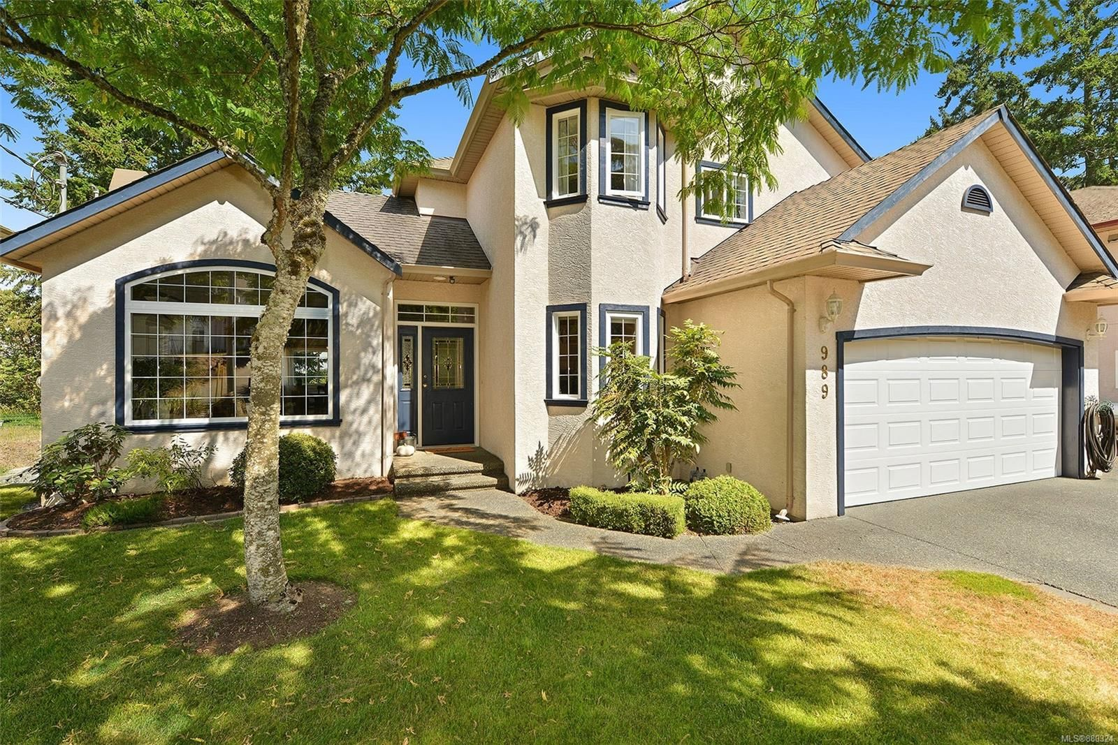 Main Photo: 989 Shaw Ave in : La Florence Lake House for sale (Langford)  : MLS®# 880324