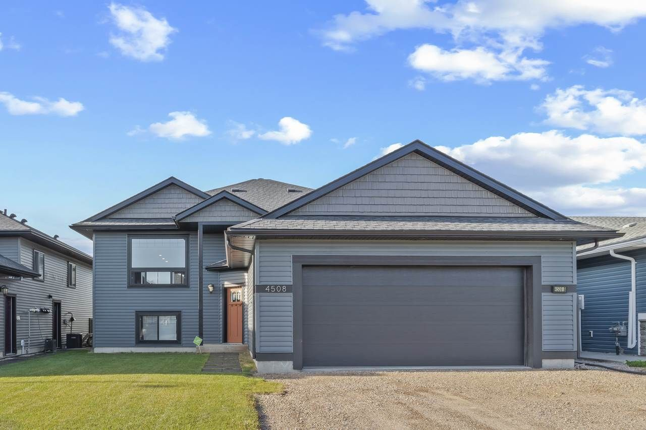 Main Photo: 4508 65 Avenue: Cold Lake House for sale : MLS®# E4209187