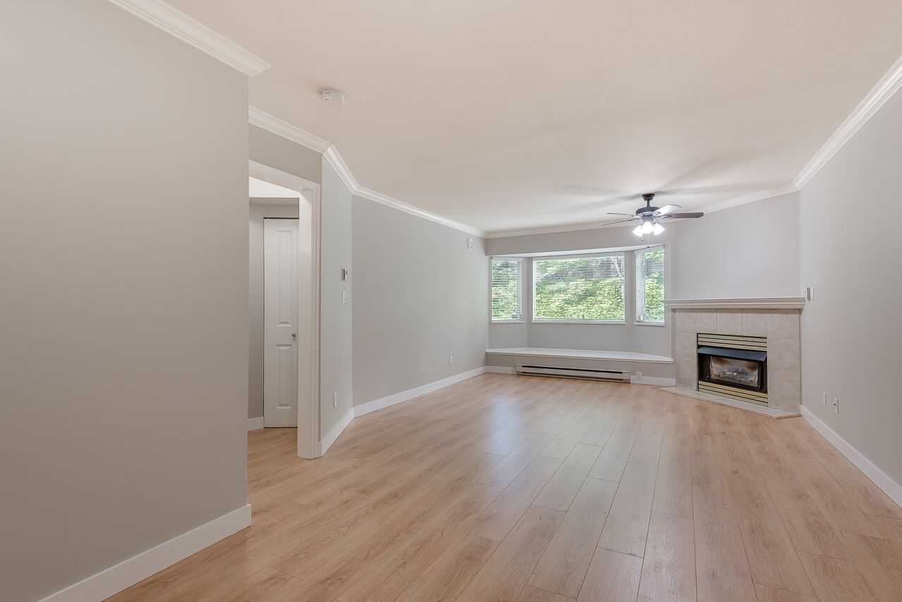 """Photo 5: Photos: 211 3738 NORFOLK Street in Burnaby: Central BN Condo for sale in """"Winchelsea"""" (Burnaby North)  : MLS®# R2276086"""
