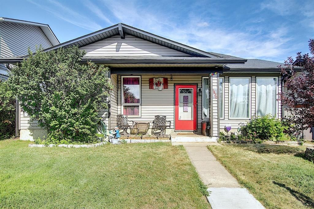 Main Photo: 1830 Summerfield Boulevard SE: Airdrie Detached for sale : MLS®# A1136419