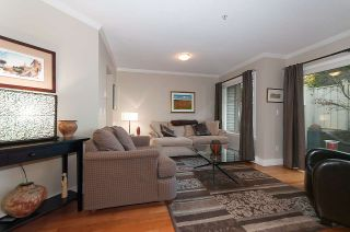 """Photo 2: 13 222 E 5TH Street in North Vancouver: Lower Lonsdale Townhouse for sale in """"BURHAM COURT"""" : MLS®# R2041998"""