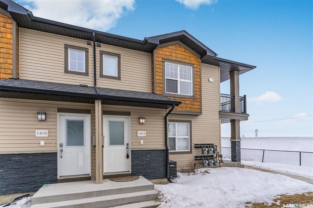 Main Photo: 1412 1015 Patrick Crescent in Saskatoon: Willowgrove Residential for sale : MLS®# SK842552