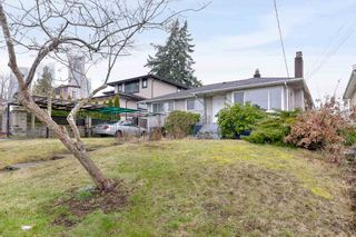 Photo 3: 5709 BOOTH Avenue in Burnaby: Forest Glen BS House for sale (Burnaby South)  : MLS®# R2540838