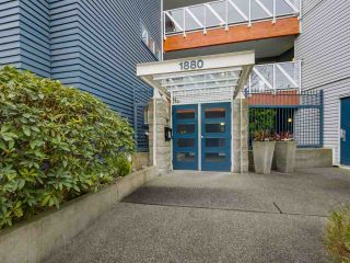"Photo 10: 108 1880 E KENT AVENUE SOUTH in Vancouver: Fraserview VE Condo for sale in ""PILOT HOUSE AT TUGBOAT LANDING"" (Vancouver East)  : MLS®# R2057021"