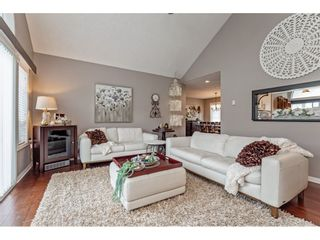 """Photo 8: 147 4001 OLD CLAYBURN Road in Abbotsford: Abbotsford East Townhouse for sale in """"CEDAR SPRINGS"""" : MLS®# R2555932"""