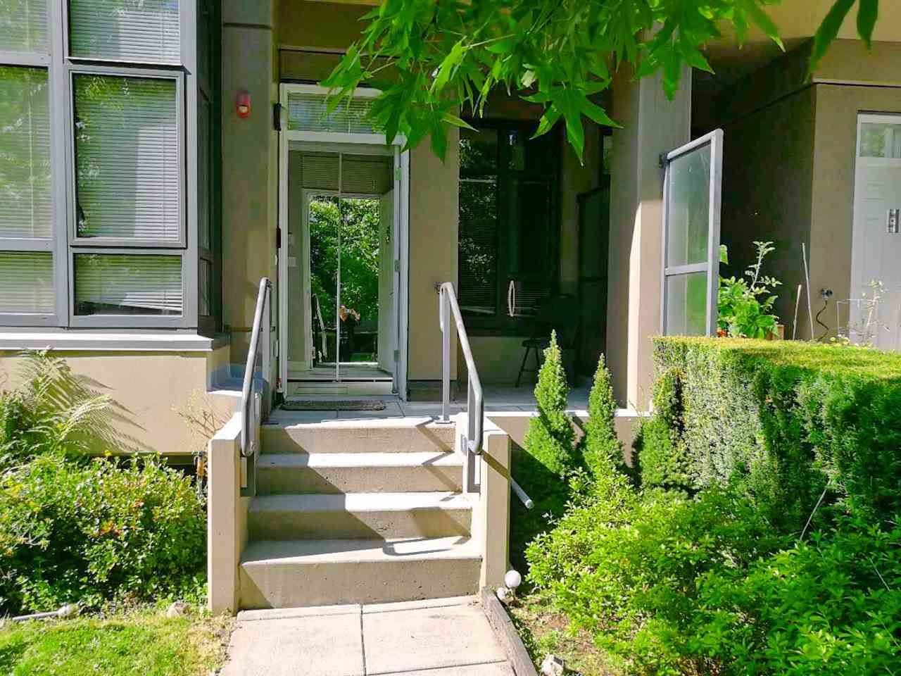"""Main Photo: TH7 4250 DAWSON Street in Burnaby: Brentwood Park Townhouse for sale in """"CMA2"""" (Burnaby North)  : MLS®# R2559687"""
