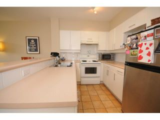 """Photo 4: 207 1688 CYPRESS Street in Vancouver: Kitsilano Condo for sale in """"YORKVILLE SOUTH"""" (Vancouver West)  : MLS®# V888402"""