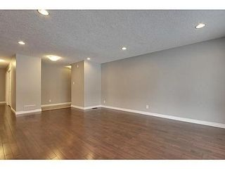 Photo 8: 8007 7 Street SW in Calgary: Bungalow for sale : MLS®# C3595147