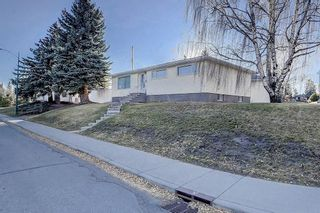 Photo 2: 2019 38 Street SW in Calgary: Glendale Detached for sale : MLS®# C4214802