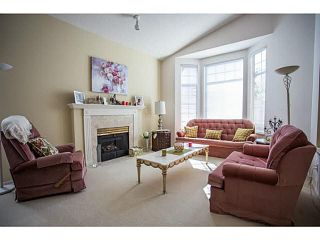 """Photo 3: 71 9012 WALNUT GROVE Drive in Langley: Walnut Grove Townhouse for sale in """"QUEEN ANNE GREEN"""" : MLS®# F1447003"""