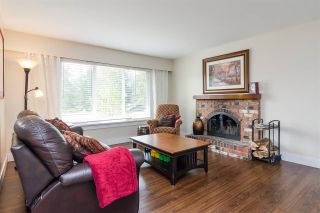 """Photo 3: 20235 36 Avenue in Langley: Brookswood Langley House for sale in """"Brookswood"""" : MLS®# R2301406"""