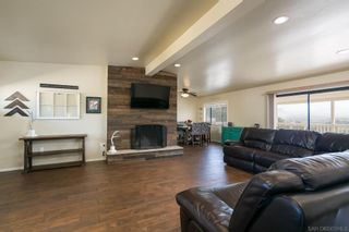 Photo 5: LAKESIDE House for sale : 3 bedrooms : 9111 Paradise Park Dr