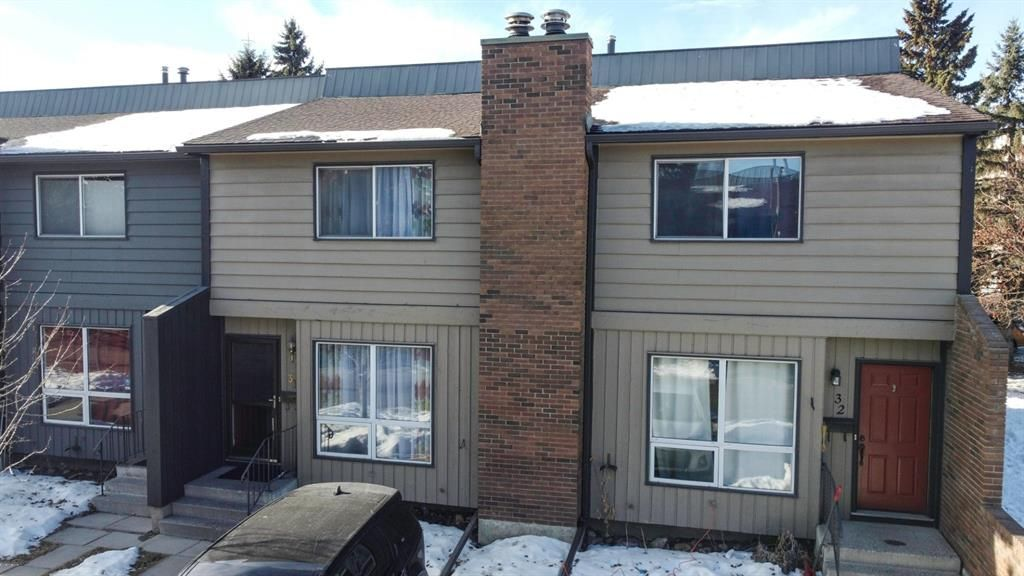 Main Photo: 31 9908 Bonaventure Drive SE in Calgary: Willow Park Row/Townhouse for sale : MLS®# A1065621