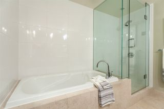 """Photo 15: 904 1205 W HASTINGS Street in Vancouver: Coal Harbour Condo for sale in """"CIELO"""" (Vancouver West)  : MLS®# R2202374"""