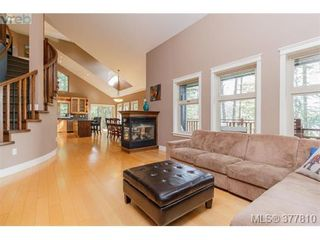 Photo 3: 42 Carly Lane in VICTORIA: VR Six Mile House for sale (View Royal)  : MLS®# 758601