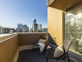 """Photo 33: 2001 1055 RICHARDS Street in Vancouver: Downtown VW Condo for sale in """"Donovan"""" (Vancouver West)  : MLS®# R2555936"""