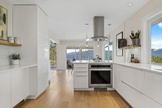 Photo 8: 45 CREEKVIEW Place: Lions Bay House for sale (West Vancouver)  : MLS®# R2581443