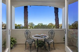 Photo 3: LA JOLLA Condo for sale : 3 bedrooms : 1010 Genter St #101