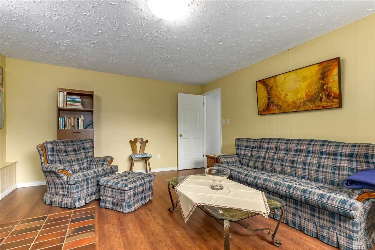 Photo 15: Photos: 7656 JUNIPER Street in Mission: Mission BC House for sale : MLS®# R2295491