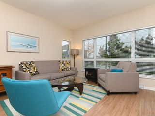 Photo 3: 104 785 Tyee Rd in : VW Victoria West Condo for sale (Victoria West)  : MLS®# 871798
