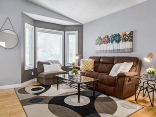 Photo 9: 111 RIVERVALLEY Drive SE in Calgary: Riverbend Detached for sale : MLS®# A1027799