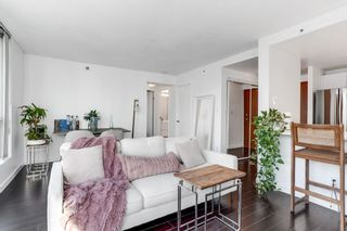 """Photo 8: 2204 555 JERVIS Street in Vancouver: Coal Harbour Condo for sale in """"Harbourside Park"""" (Vancouver West)  : MLS®# R2544198"""